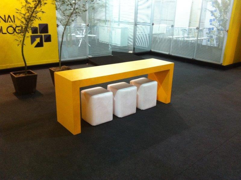 Locação de móveis para estandes